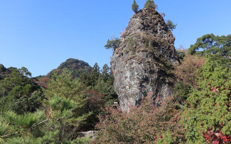 Iwaya Shrine (Hoshu-seki stone at Iwaya Park, Hari-no-Mimi*)